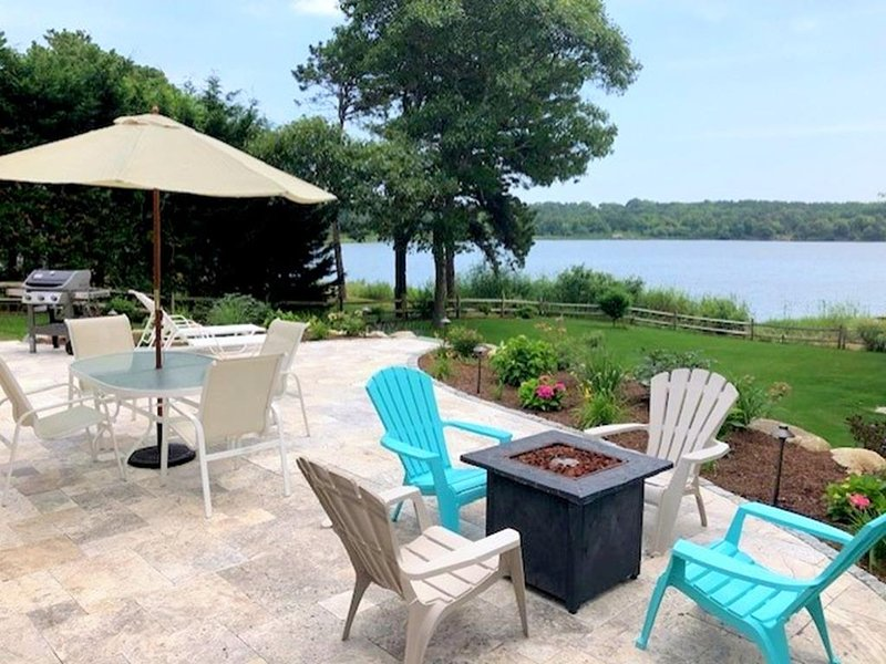 Waterfront! Bass River/Dinahs Pond 142099, holiday rental in South Yarmouth