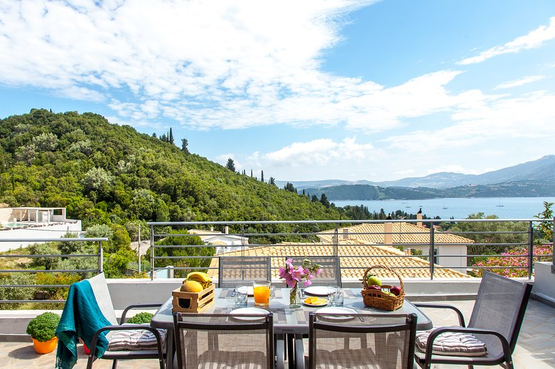 People love the tranquility of this place... Villa Meliti (breakfast included), holiday rental in Episkopos