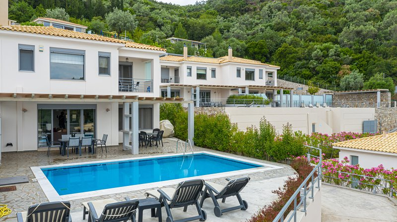 Villa Thetis guest: 'The accommodation was amazing and fully luxurious', vacation rental in Episkopos
