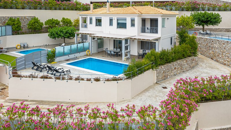 Villa Thetis guest: 'The accommodation was amazing and fully luxurious', holiday rental in Episkopos