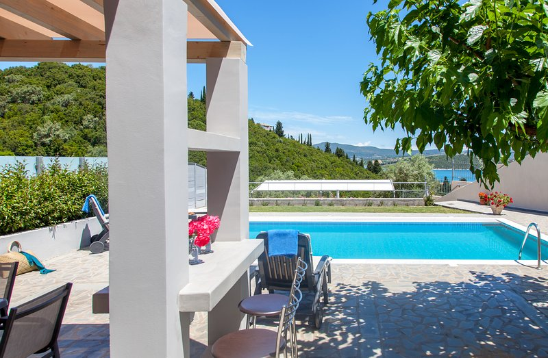 You've been waiting the whole year for this... Take a look at Villa Nisea :), holiday rental in Episkopos