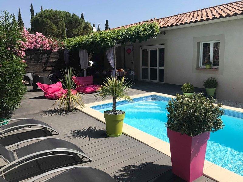 Villa Les Lauriers Roses-Piscine chauffée -Proche AVIGNON, holiday rental in Saint-Laurent-des-Arbre