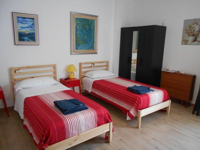 CAMERA DOPPIA CON BAGNO E TV PRIVATI, PARCHEGGIO, A PISA (CISANELLO), holiday rental in Mezzana-Colignola