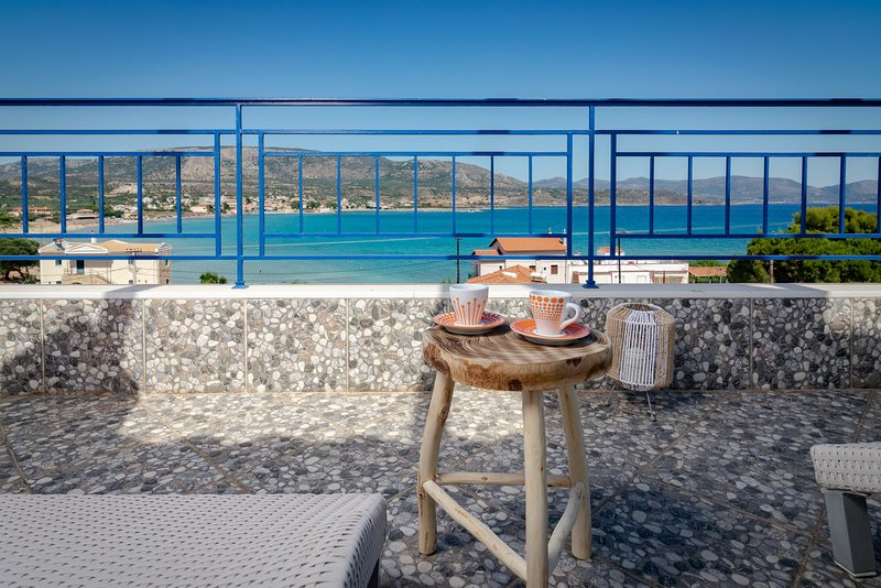 SeaView flat few meters from the Beach, holiday rental in Elafonisos