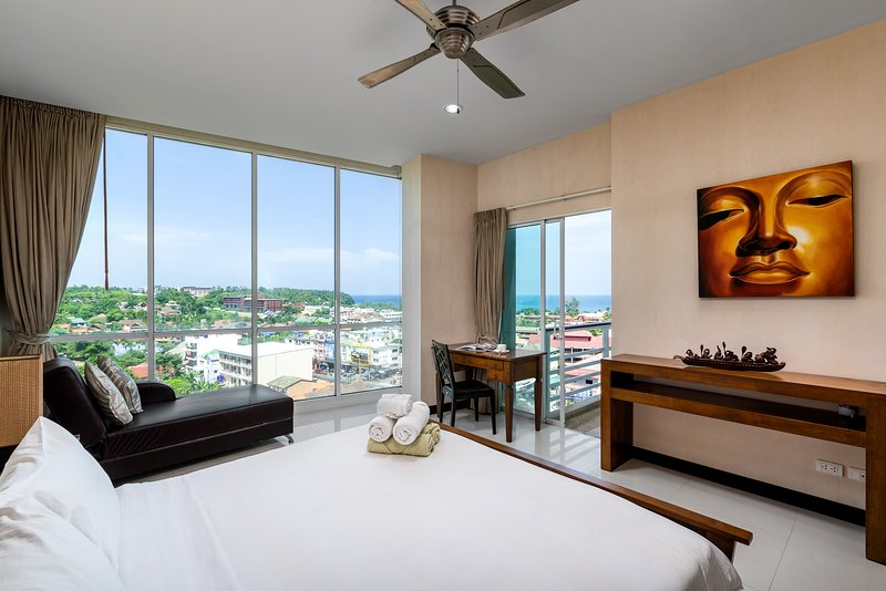 Condominium 2 bedroom with sea view – semesterbostad i Karon Beach