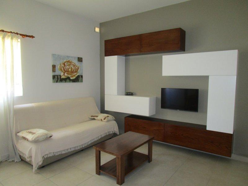 Birzebbugia apartment with 3 bedrooms, vacation rental in Qrendi