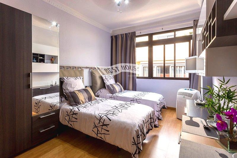 012 Estudio Alfredo Jones 35,apt57 Jose (JH), vacation rental in Las Palmas de Gran Canaria
