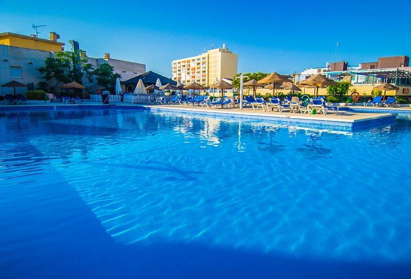 La Nogalera - WOW Apartment in the Heart of Torremolinos, vacation rental in Torremolinos