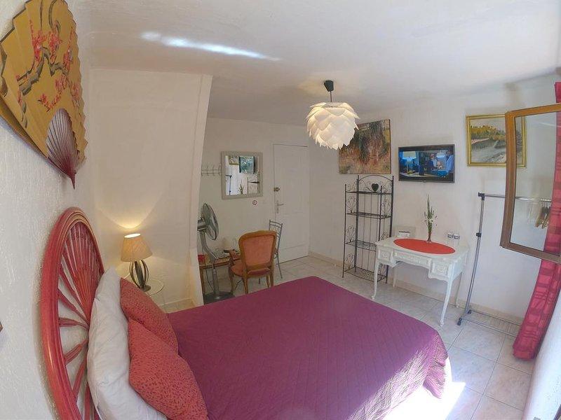 triple room 3Adults, Ferienwohnung in Trebes