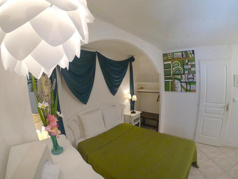 Avocado Double Room, Ferienwohnung in Trebes