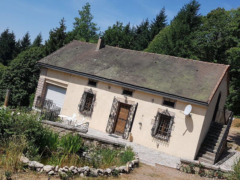gîte l'échappée naturel, mesvres, calme, vacation rental in Saint-Didier-sur-Arroux