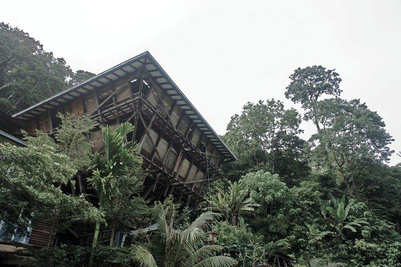 DIKAKI Tower House Gunung Raya, holiday rental in Pantai Cenang
