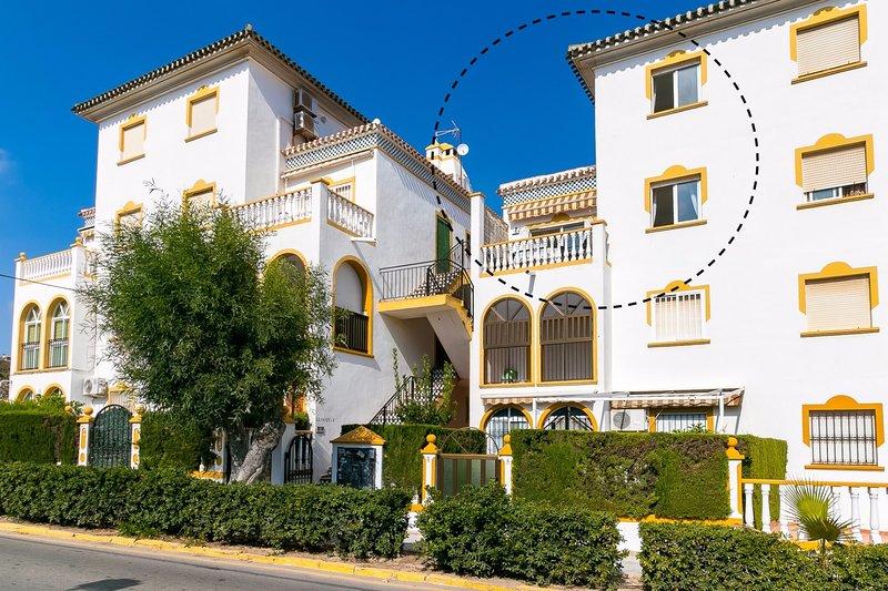 300 meter från havet, denna nyrenoverade lägenhet med underbar utsikt över Medelhavet.