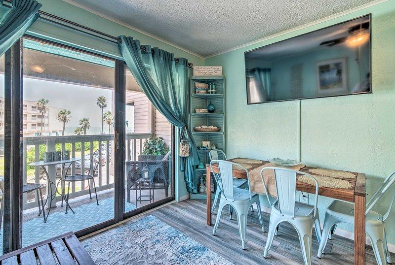 Cozy Corpus Christi Condo w/Pool+Beach Access, holiday rental in Robstown
