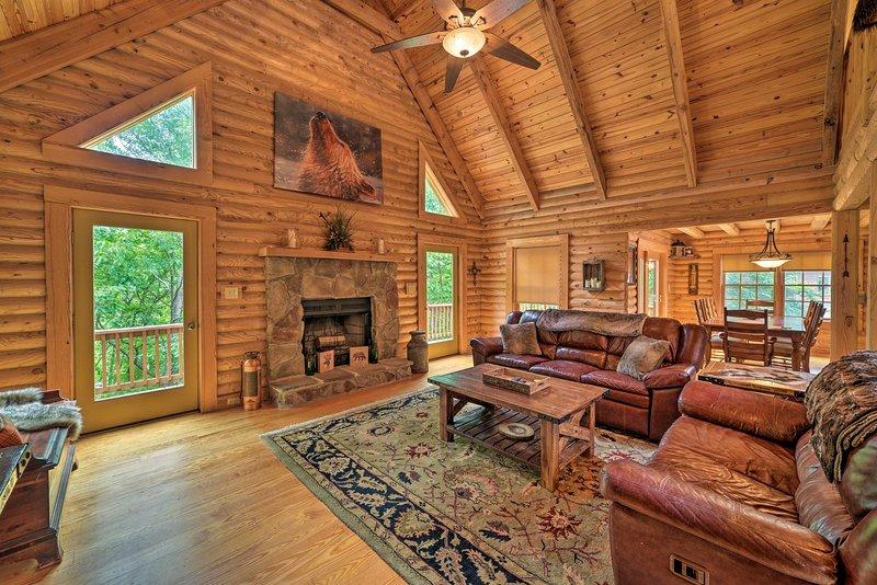 'Big Bear Lodge' - Cabin in Massanutten Resort!, holiday rental in Dayton