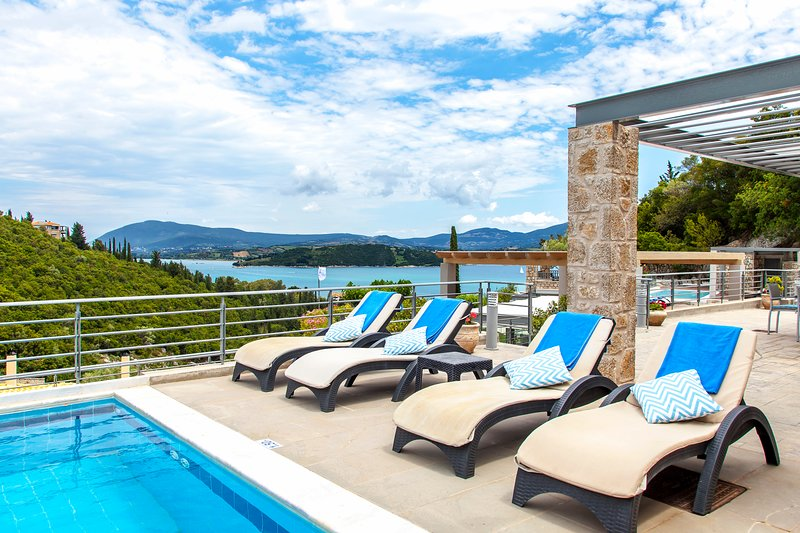 You wanted sea view? You've got it!, holiday rental in Episkopos