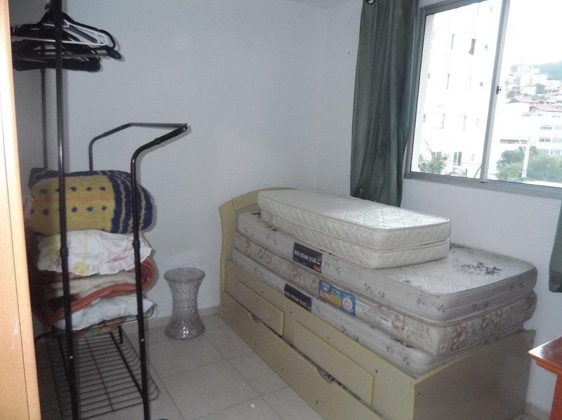 Alugo apartamento temporada completo,em condômino fechado com porteiro,vigia, holiday rental in Juiz de Fora
