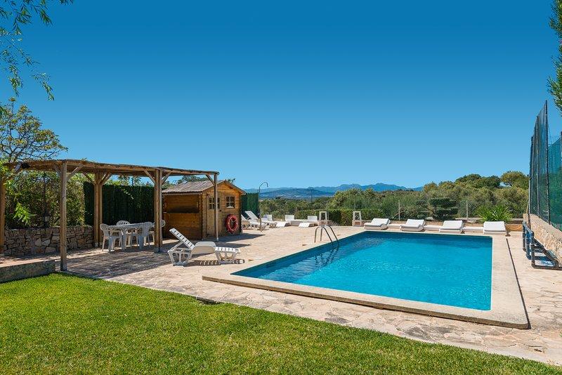 LA CIGARRA CAN CARRASCO, preciosa casa de campo con piscina, vacation rental in Son Macia