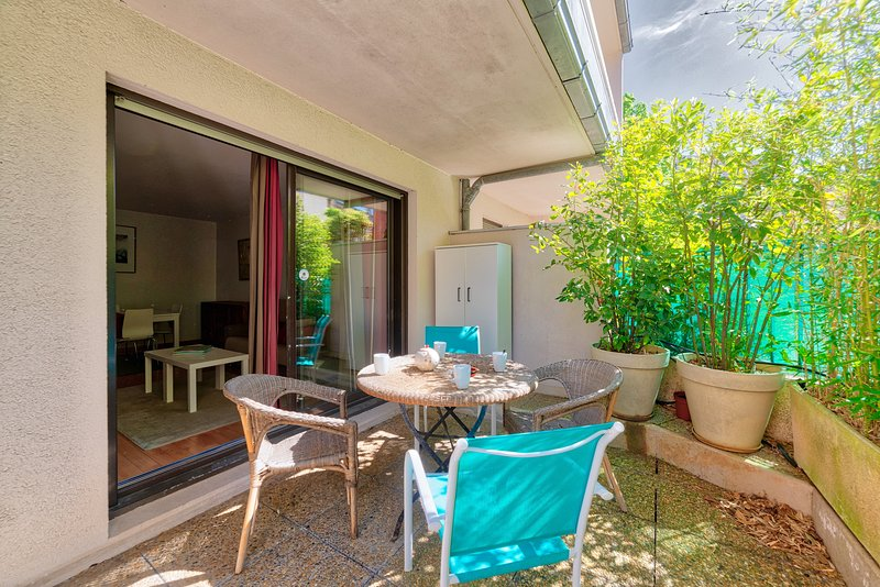 JARDIN DES PLANTES Parking Terrasse, vacation rental in Toulouse