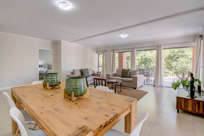 UniqueStay Mayfair Deluxe 3 Bedroom Apartment, holiday rental in Century City