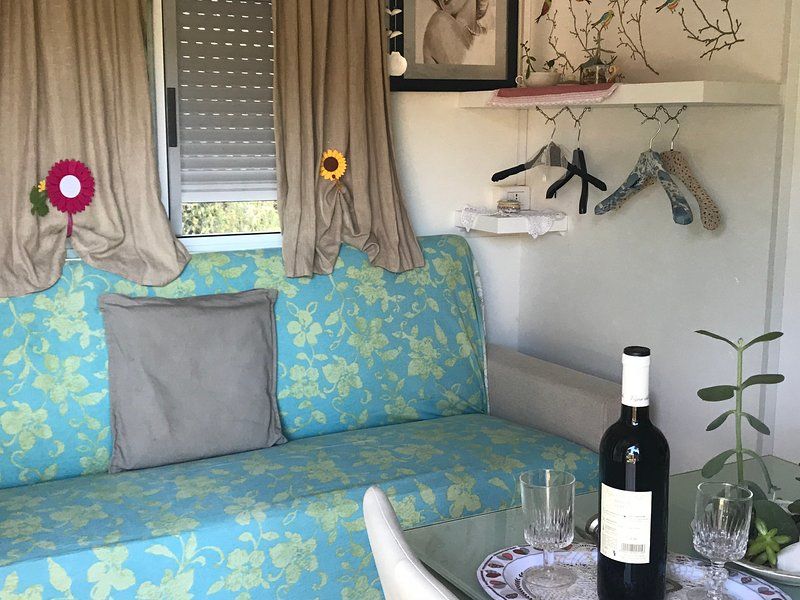 Bungalow due camere sul mare, holiday rental in Naregno
