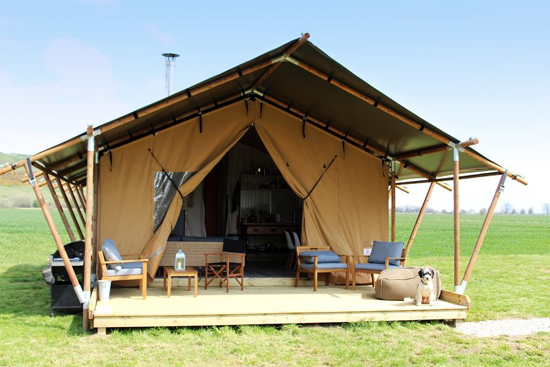 Wheatfields Luxury Glamping, Sandpiper. One of two tents near Rye & Camber Sands, holiday rental in Stone in Oxney