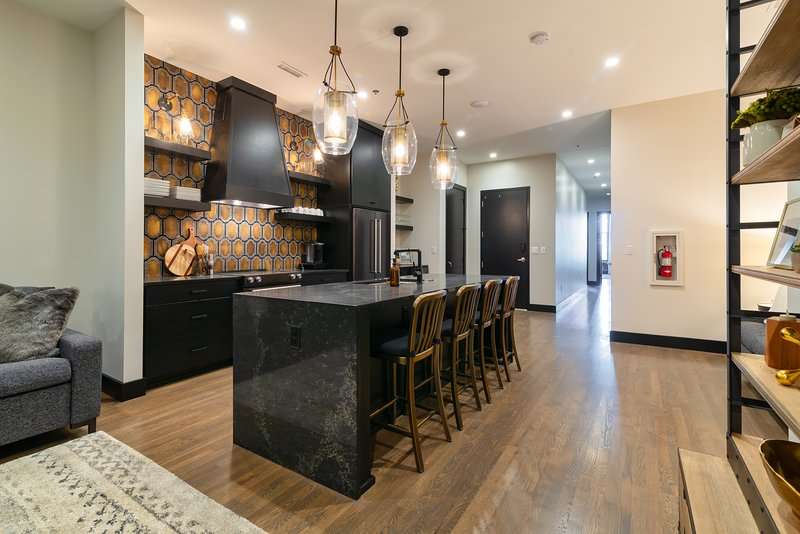 2nd Ave Luxury Condo in the heart of Downtown, vacation rental in Nashville