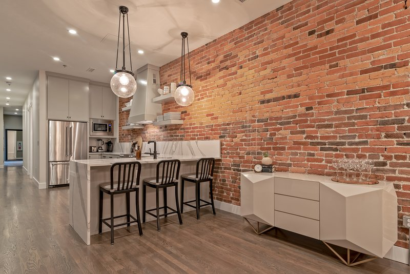 2nd Ave Riverside Condo in the heart of Downtown, vacation rental in Nashville