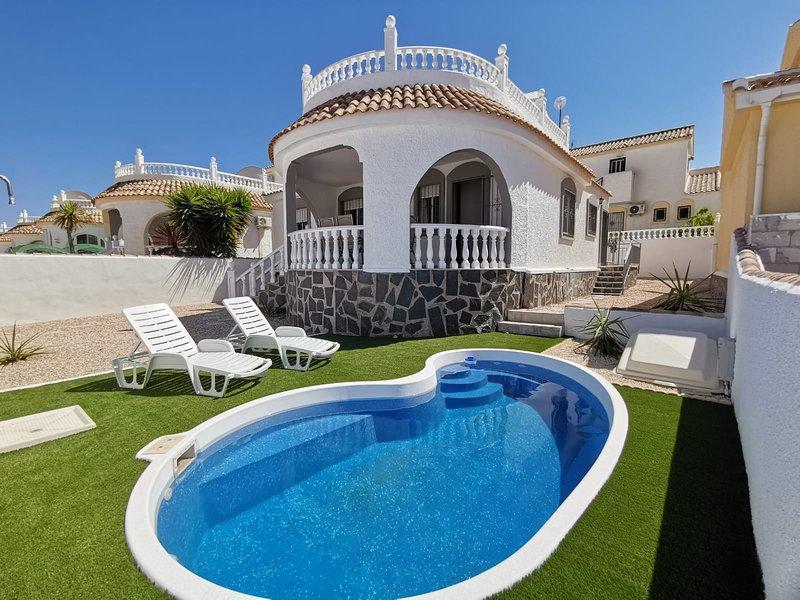 Villa Sienna 4 bedroom Villa with Private Pool, vacation rental in Camposol