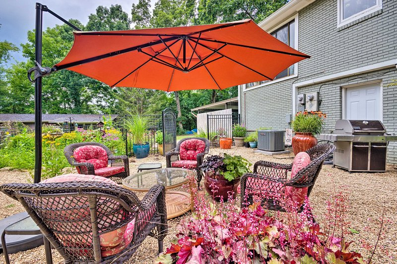 Sip your morning coffee in this shaded lounge area.