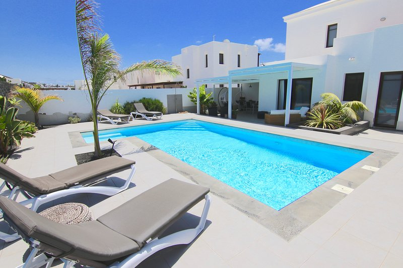 villa moderna cerca del mar, vacation rental in Playa Blanca