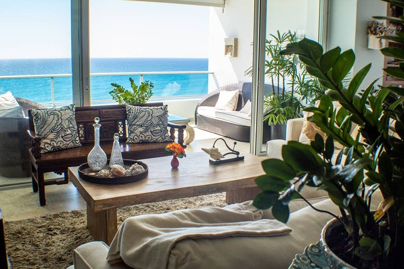 ★ NEW Beachfront Apartment with Two Balconies, holiday rental in San Pedro de Macoris
