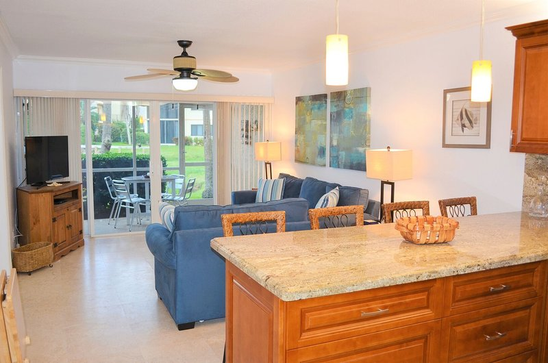 OV 617 Pond/Golf Course View Condo-Welcome to Paradise, holiday rental in Hutchinson Island