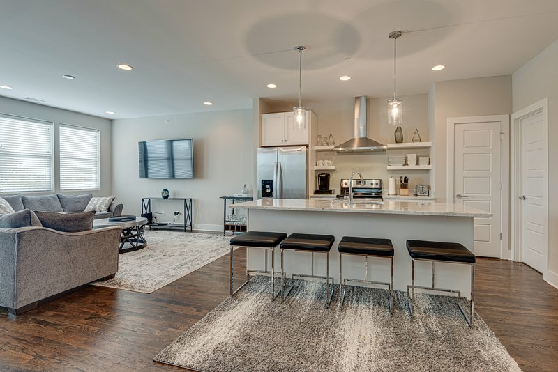 Sleek Townhouse with Rooftop | Walk to 12South, vacation rental in Nashville