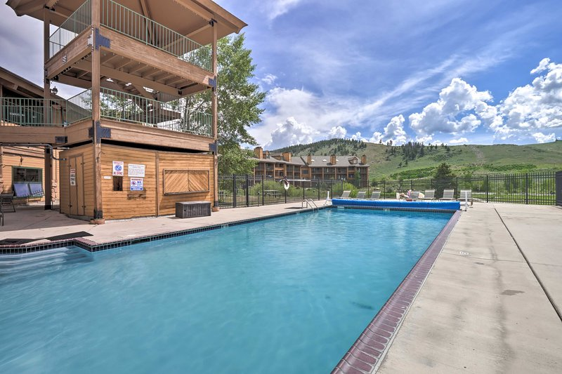 Studio w/ Pools, Near Granby Ranch Ski & Golf, holiday rental in Hot Sulphur Springs