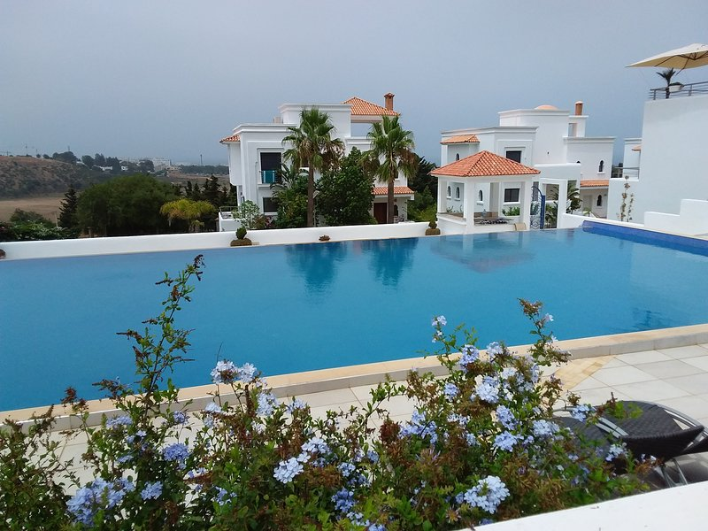 "Stay with infinity pool at ""Jardins d'Asilah"""