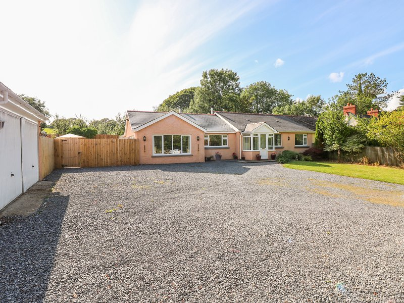 1 Homecroft Bungalows, Saundersfoot, holiday rental in Begelly