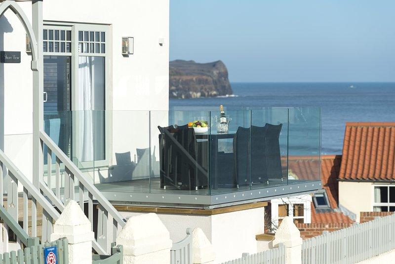 SHORE VIEW, 6 bedrooms, Sandsend, vacation rental in Sandsend
