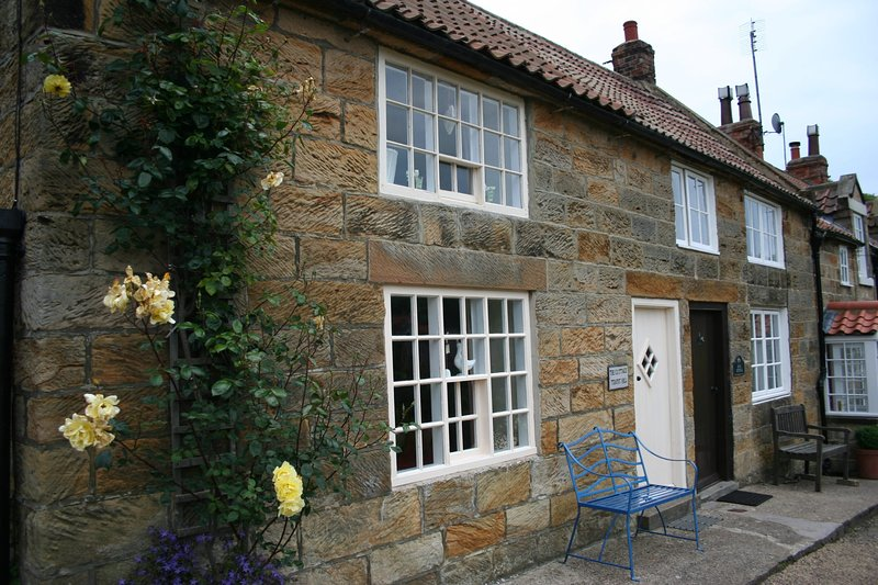THE COTTAGE, 2 bedrooms, Sandsend, alquiler vacacional en Sandsend