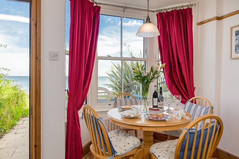 EBOR COTTAGE SOUTH, 4 bedrooms, Whitby, vacation rental in Sandsend