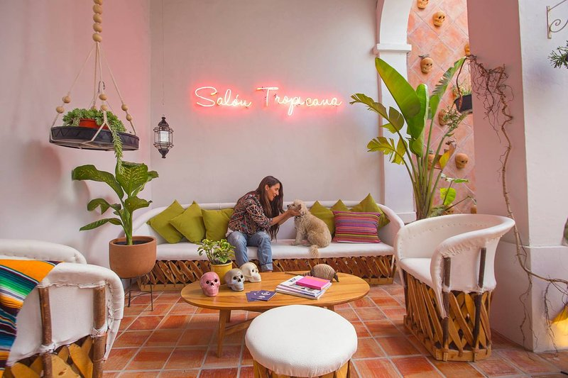 Beautiful House, Villa Calavera Casa Blanco, vakantiewoning in Guadalajara