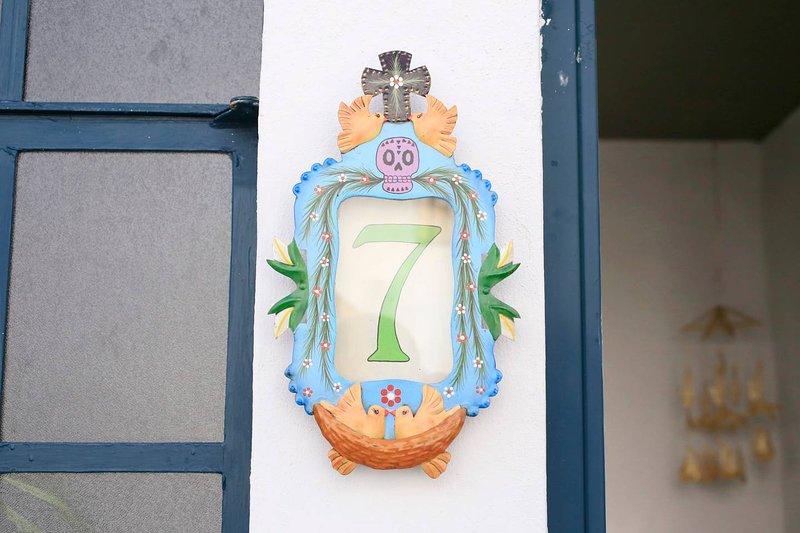 Beautiful room 7, Villa Calavera Casa Blanco, vacation rental in Guadalajara
