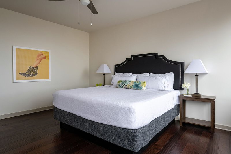 Delightful Stay Alfred on Elm Street Has Terrace and Air