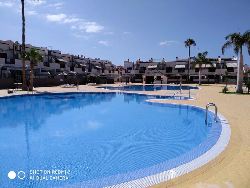 Apartamentos Los Geranios Tenerife, alquiler de vacaciones en Costa del Silencio