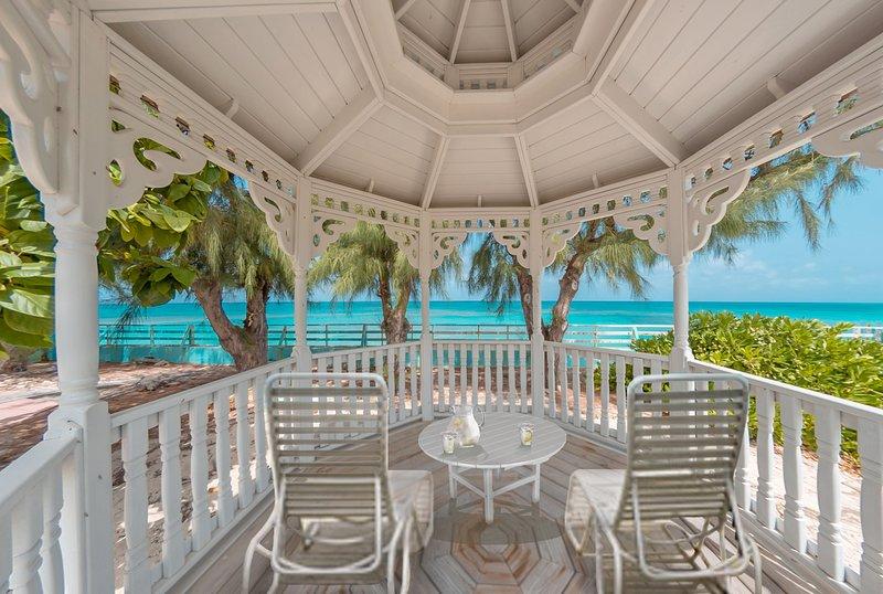 Duke Street Beach House, Ferienwohnung in Grand Turk