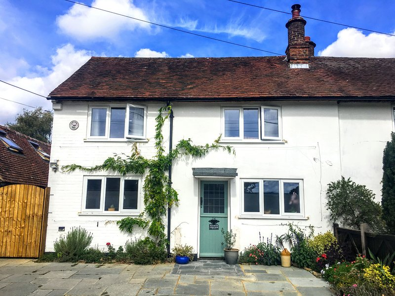 Lavender Row, Stedham, holiday rental in Haslemere