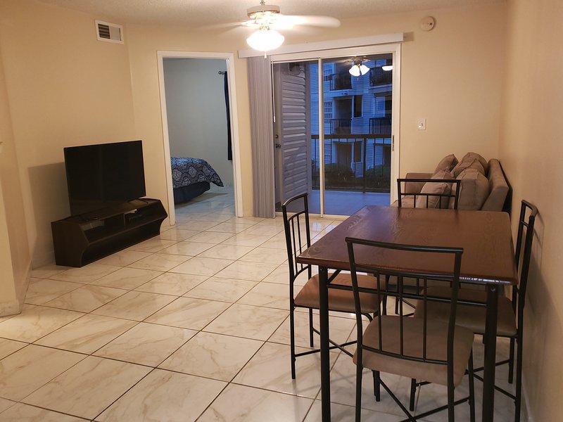 Linda apartamento  amoblado, aluguéis de temporada em Southport