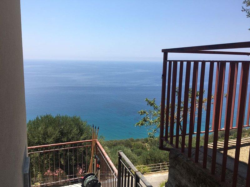 Amazing apt with sea view, vacation rental in Novi Velia