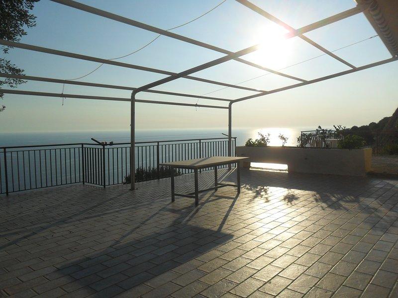 Amazing apt with sea view, holiday rental in Marina di Pisciotta