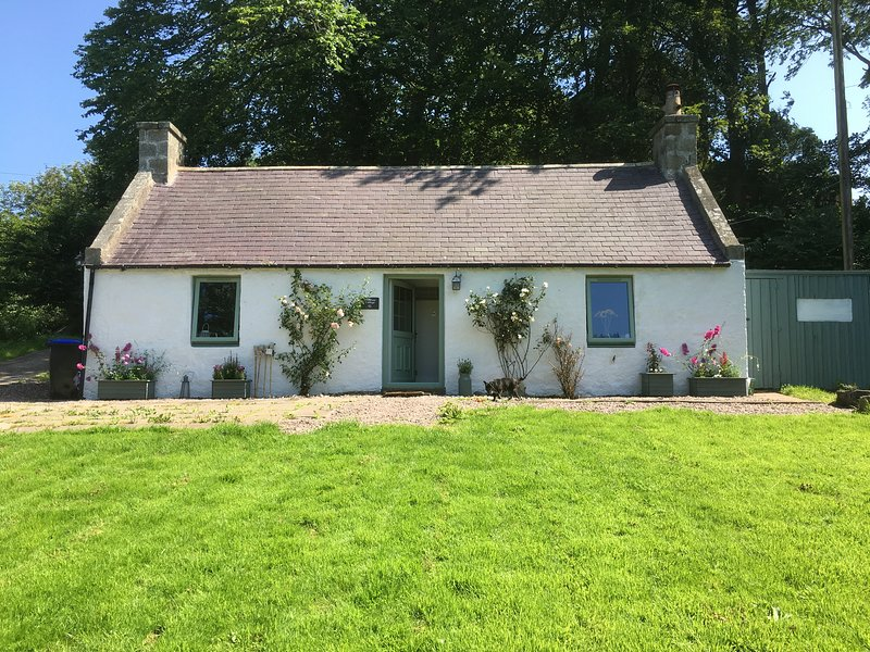 Primrose Cottage Close To New Aberdour Beach, alquiler vacacional en Aberdeenshire